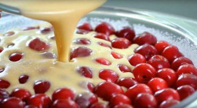 Это самый быстрый вишневый пирог в мире. И вдобавок невероятно вкусный