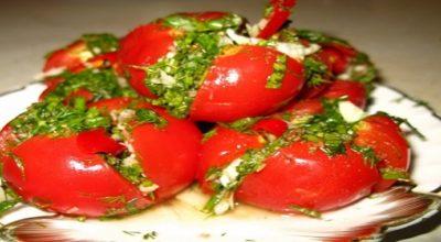 Рецепт чесночной закуски из помидоров, которая не может не понравиться