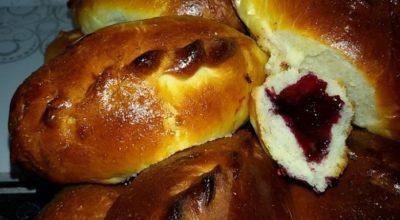 Самые вкусные сдобные пирожки с ягодами