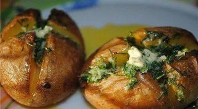 Ароматная печеная картошечка — устоять невозможно!