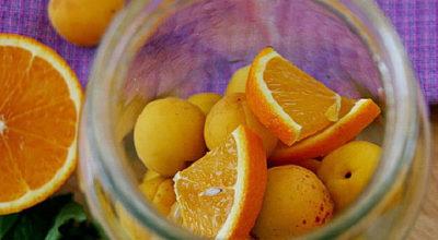 Освежающий компот из абрикосов и апельсина на зиму