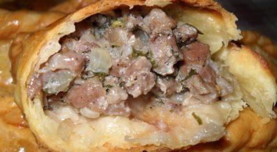 Караимские пирожки с мясом! Тесто хрустит, а начинка — объедение
