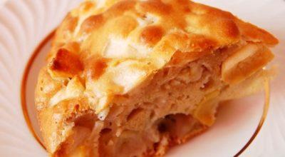 Шарлотка с яблоками — на сковороде