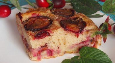 Сливовый пирог на кефире