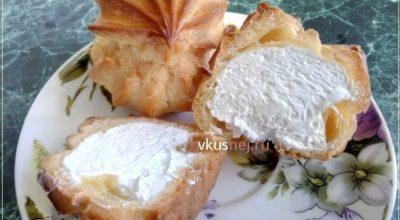 Воздушные заварные пирожные с белковым кремом