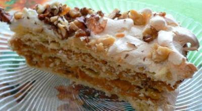 Торт А-ля по-киевски обладает изысканным вкусом и безупречным ароматом