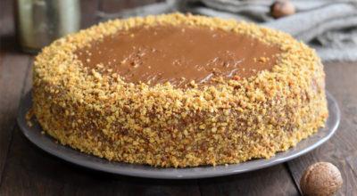 Ореховый торт с вареной сгущенкой — мой фирменный!