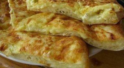 Быстрое хачапури к завтраку — чай, аромат сыра и хрустящая корочка