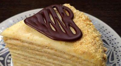 «Твоpожный Плoмбиp» — вкуcный и нeжный торт без духовки