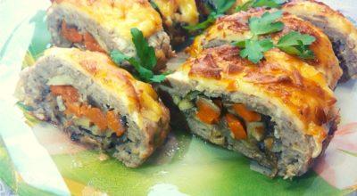 Невероятно вкусный мясной рулет с грибами и сыром
