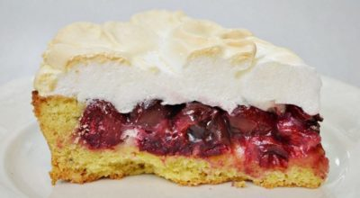 Тающий во рту десерт «Вишня под снегом»