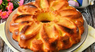Вкуснейший кекс с яблоками к чаю — сладкий, сочный, мягкий и воздушный