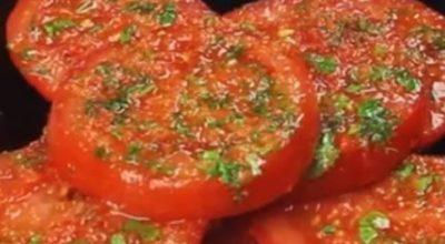 Помидоры по-корейски — закуска, которой можно угощать неделю