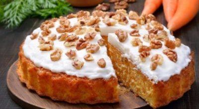 Вот правильный морковный пирог с нежным творожным кремом