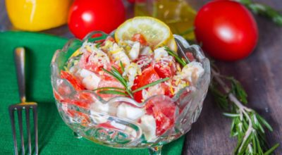Салат с помидорами по-средиземноморски
