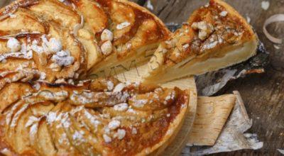 Яблочная шарлотка с секретным ингредиентом — авторский рецепт