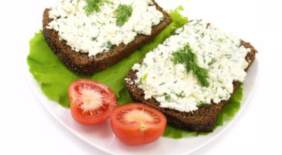 Как приготовить домашний сыр с зеленью и тмином