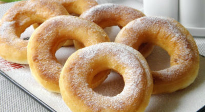Пончики на кефире всего за 15 минут. Рецепт пригодится каждой хозяйке
