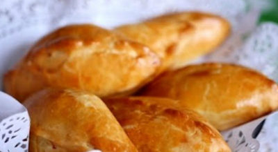 Простые и очень вкусные пирожки на кефирном тесте