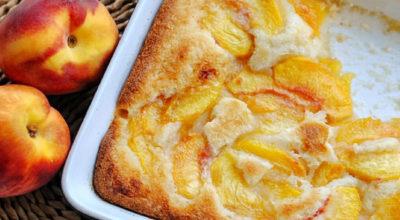 Сочный пирог «Персиковый коблер»