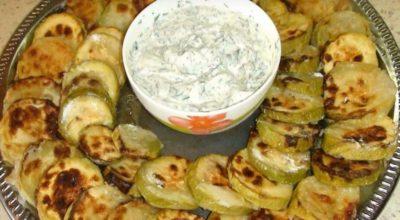 Запеченные кабачки вкуснее жареных: легкая закуска за 5 минут без мытья сковороды
