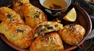 Завтра же приготовлю: Самса на кефирном тесте с курицей и картошкой