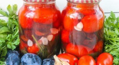Маринованные помидоры со сливами: продолжаем сезон заготовок