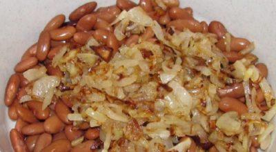 Сытный салат с консервированной фасолью и грибами: полноценный ужин
